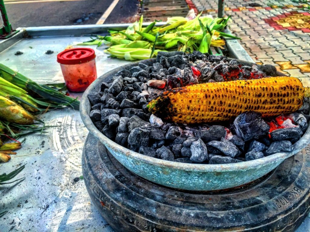 corn-bhutta-food-monsoon-goa-itsgoa