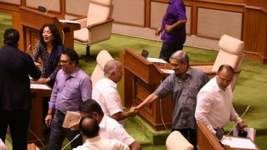 Parrikar clears floor test