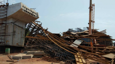 Scaffolding collapse near Kesarval