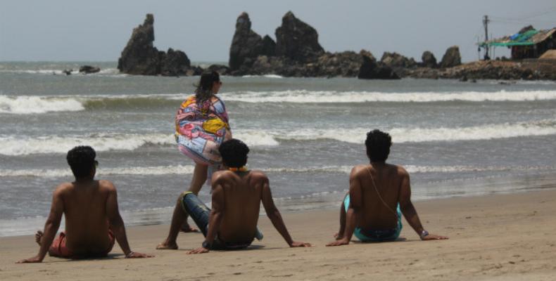 staring do not beach