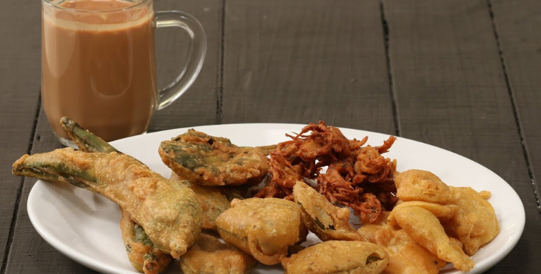 Monsoon Chao and Pakora